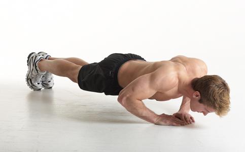 exercitii triceps diamant